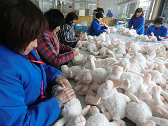Faire Kuscheltierproduktion in Asien