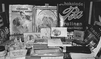 Werbeschilder und Werbedosen der Werbeartikel Geschichte